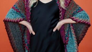 Новый тренд для современных девушек – многофункциональный женский платок