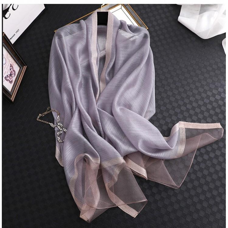 Жіночий шарф шовковий елегантний сірий