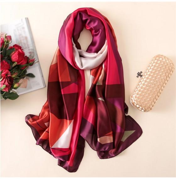 Женский шелковый шарф винного цвета