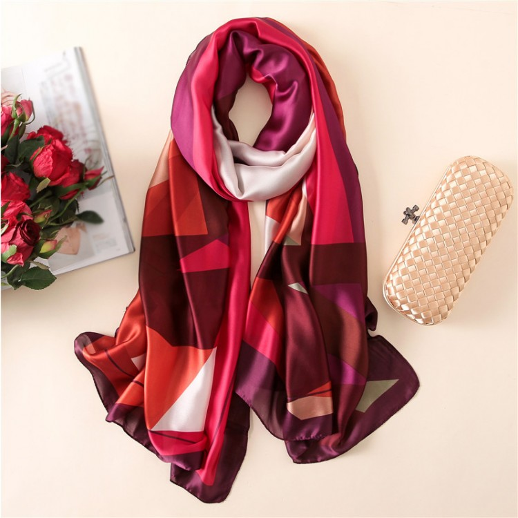 Жіночий шовковий шарф винного кольору