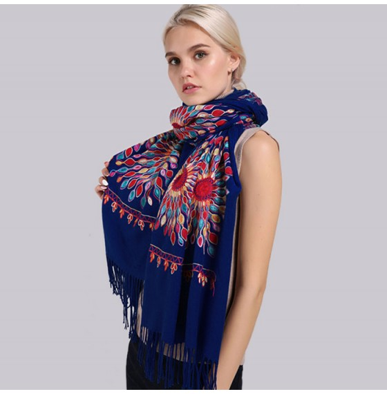 Женский шарф кашемировый темно-синий вышивкой