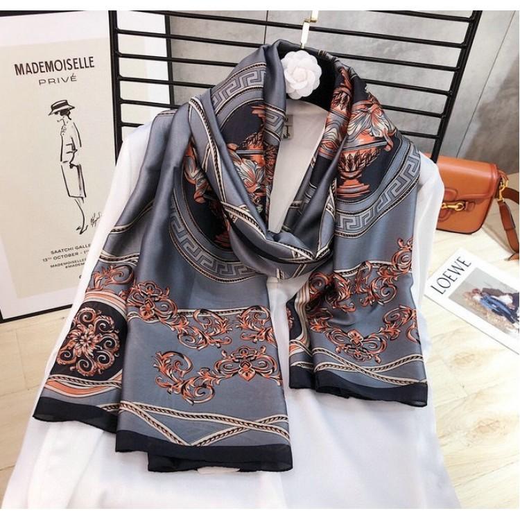 Женский шарф шелковый серый изысканный