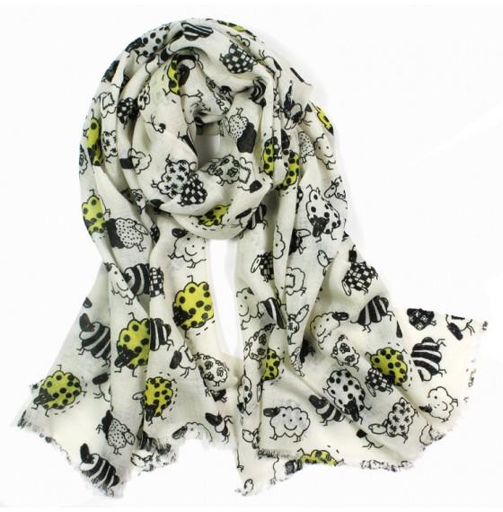 Жіночий шарф з вівцями