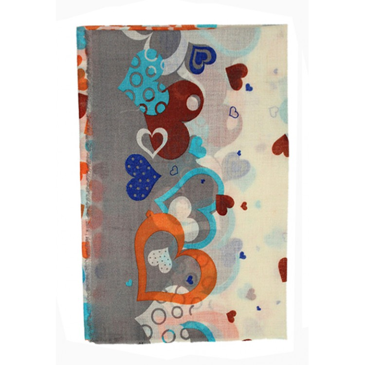 Шерстяной шарф с сердечками