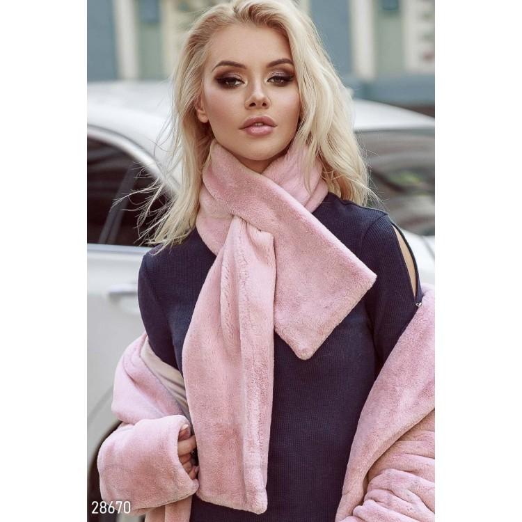 Меховый шарф женский пудровый