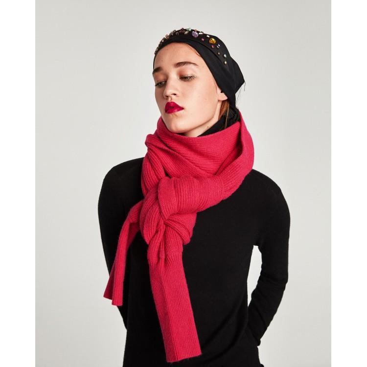 Жіночий шарф з рукавами