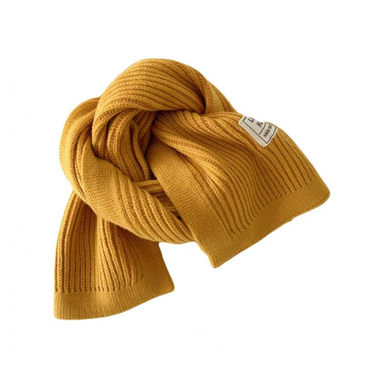 Вязаный шарф короткий