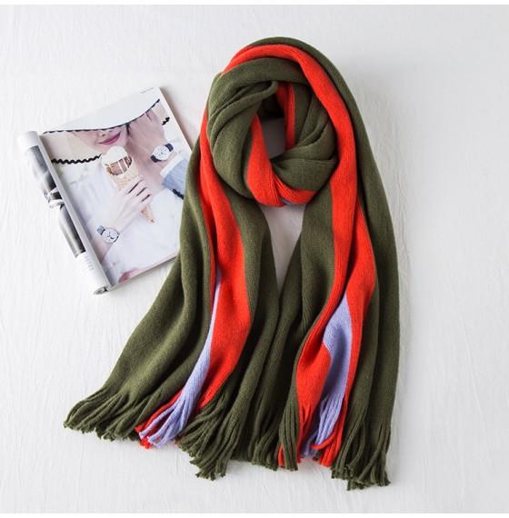 В'язаний шарф смужка оливковий
