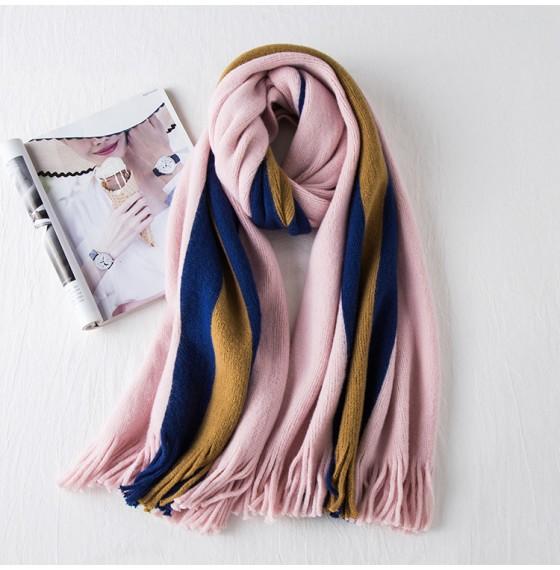 Рожевий шарф жіночий