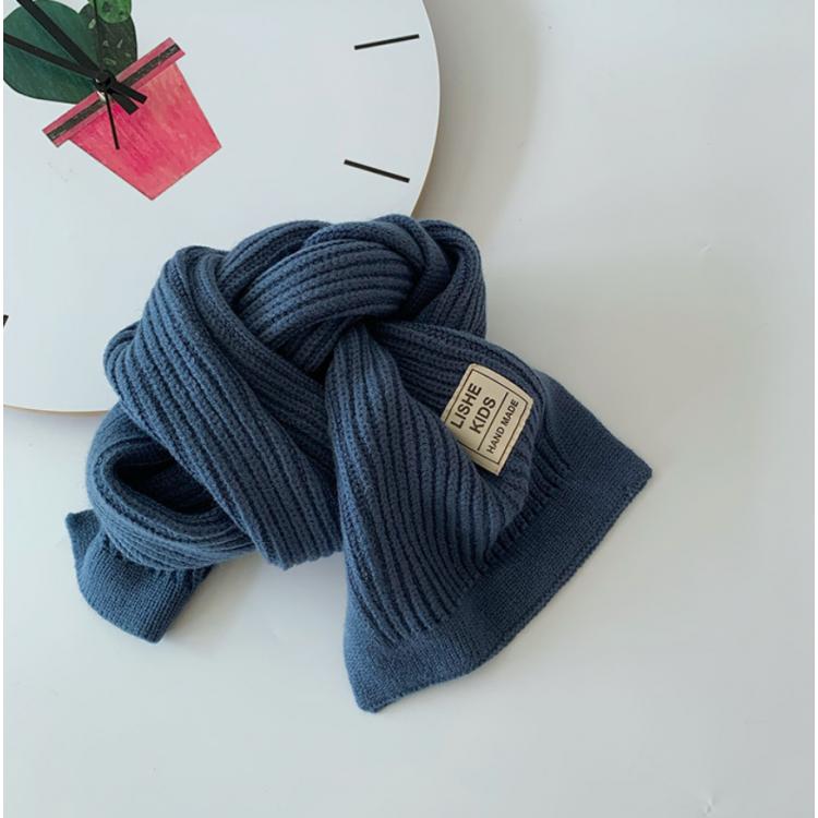 Вязаный шарф синий детский