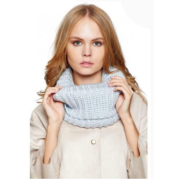 Круглий шарф блакитний