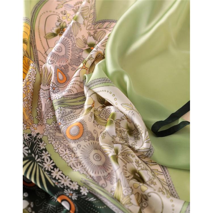 Шелковый шарф четырехлистник