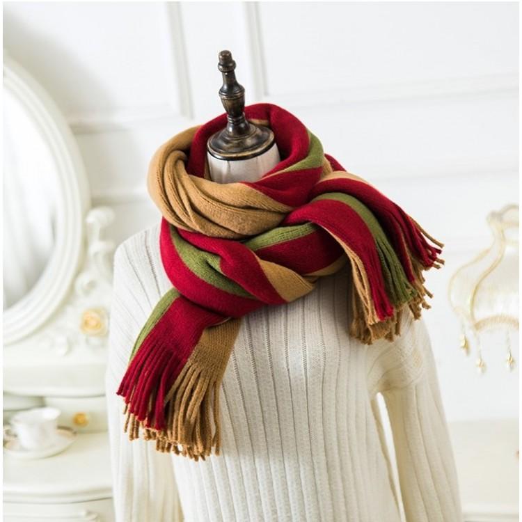 Вязаный шарф городской