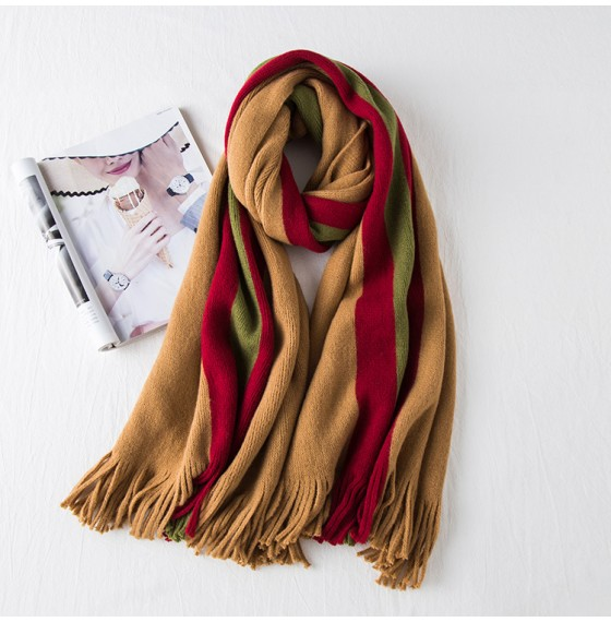 В'язаний шарф кавовий з кольоровими смужками