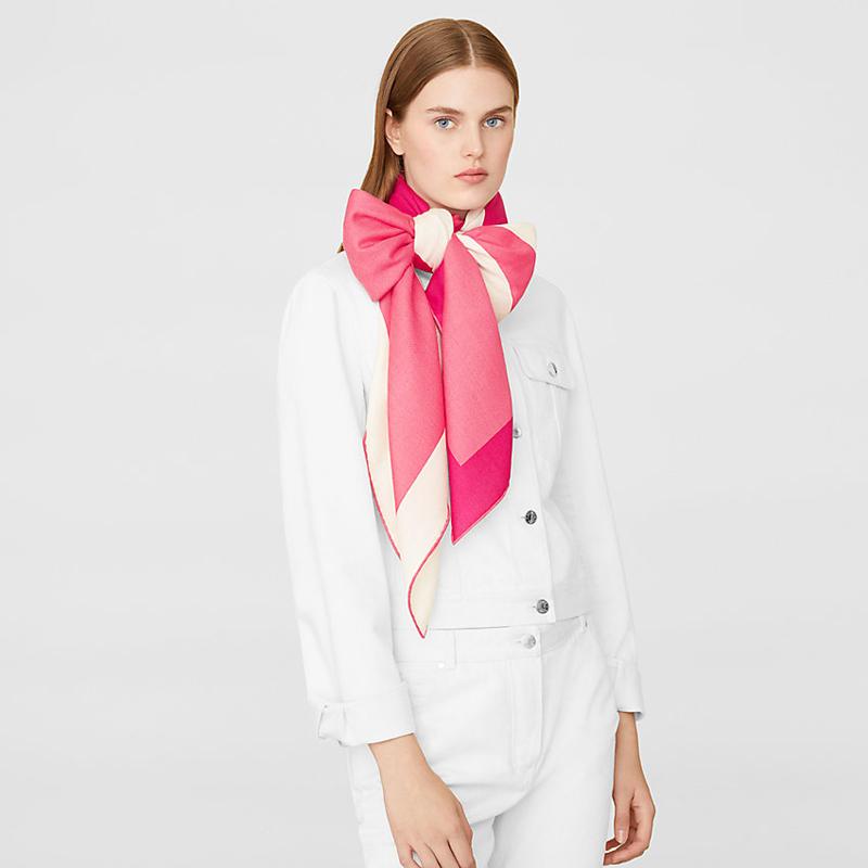 Літній рожевий шарф-бант