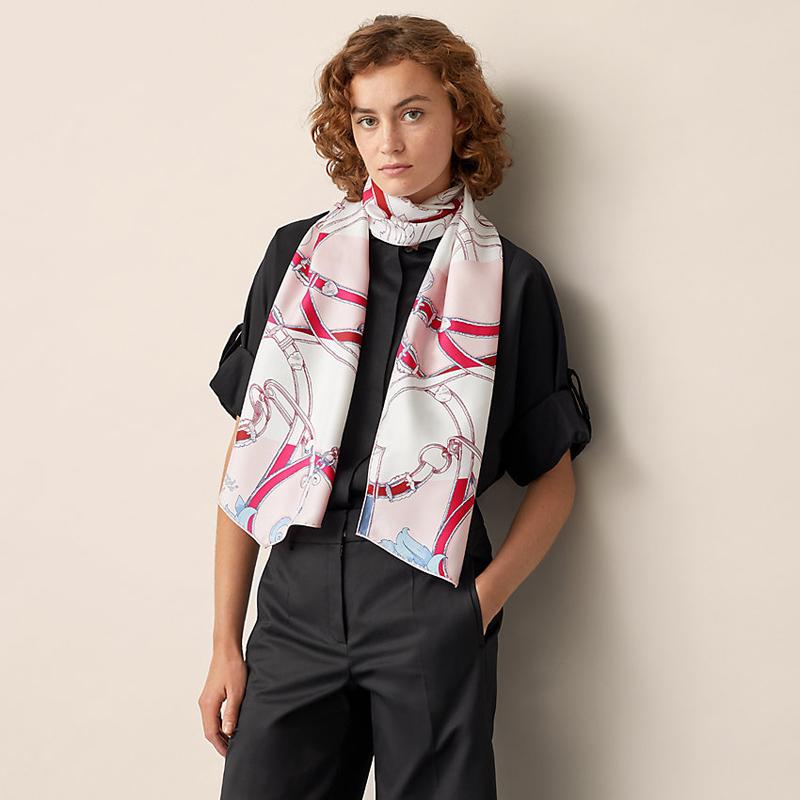 Жіночий шарф зі стильний принтом